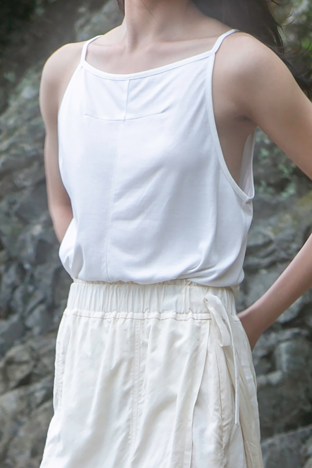 Dart Sleeveless White