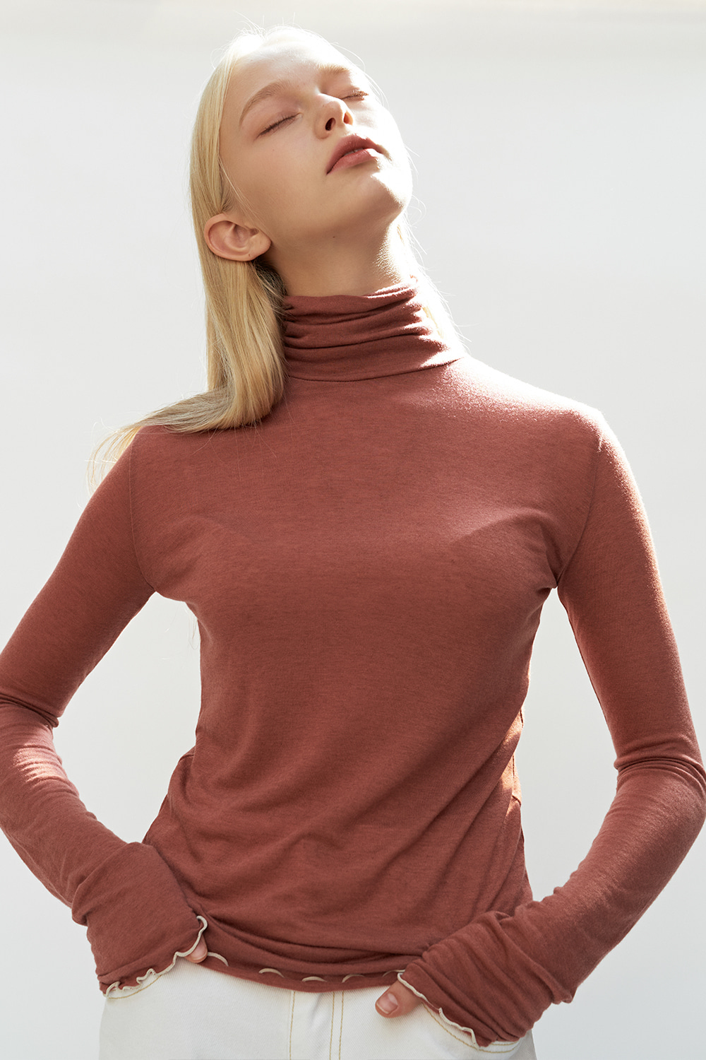 Wave Point Turtleneck T Brick
