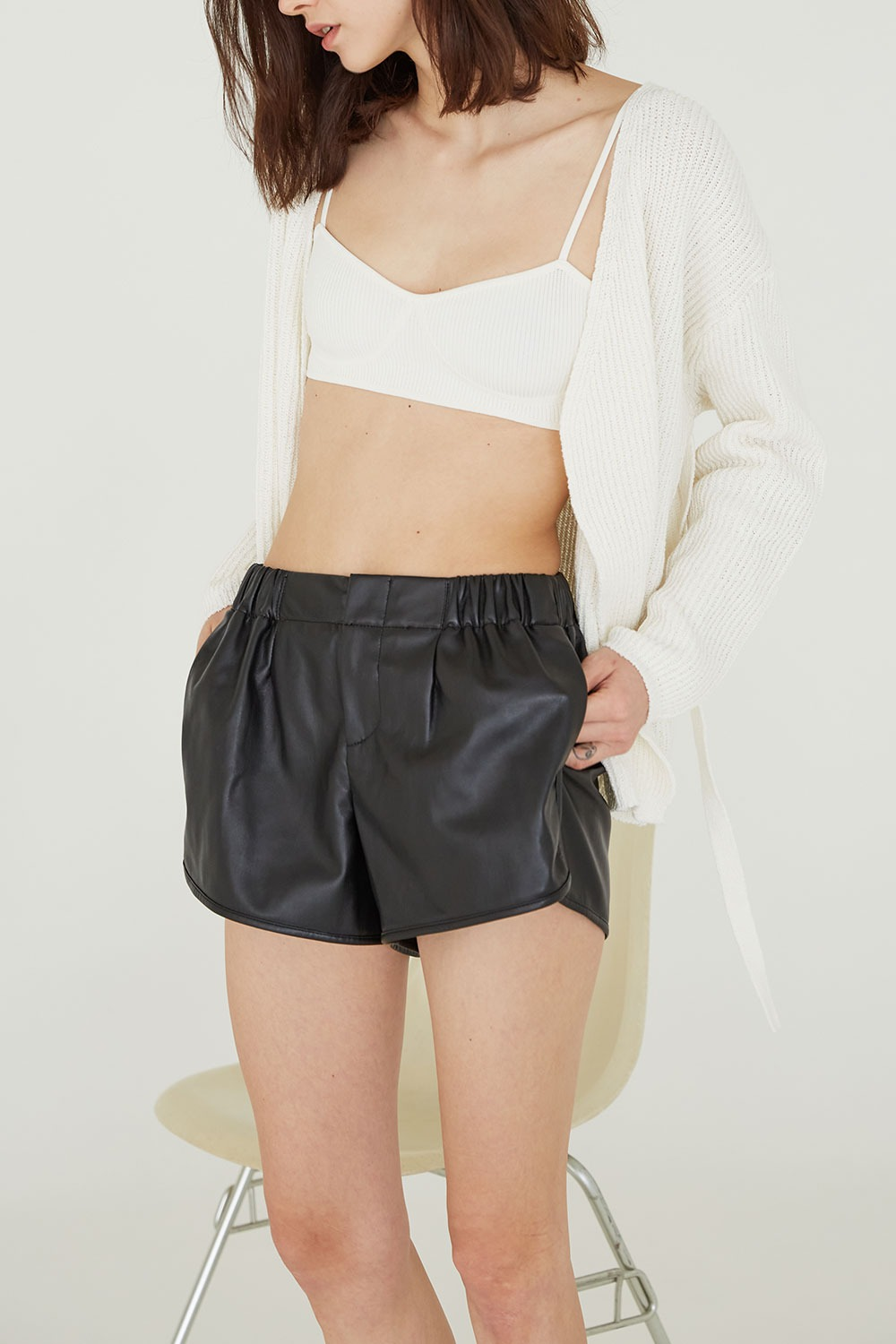 Piping Faux Leather Short Pants Black